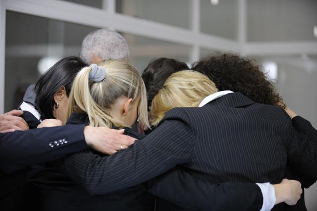 comunicacion-interna-equipo-team-building-trabajadores-embajadores