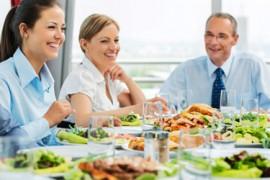 Como comportarse en una comida de negocios