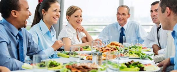 Como comportarse en una comida de negocios evento for Comida oficina
