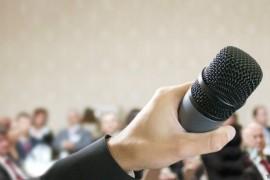La importancia de un buen orador de eventos