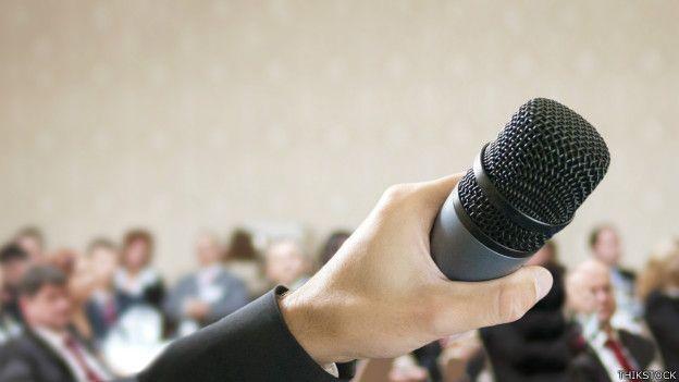 Un buen orador, esencial en tus eventos.