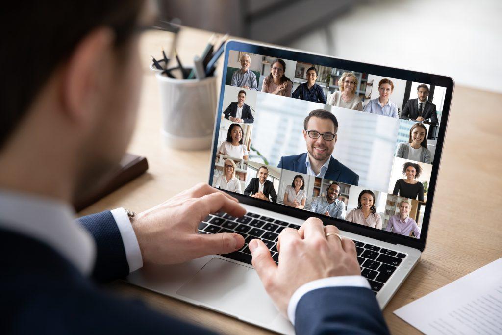 Zoom Whatsapp Skype en tu plan de comunicación COVID-19
