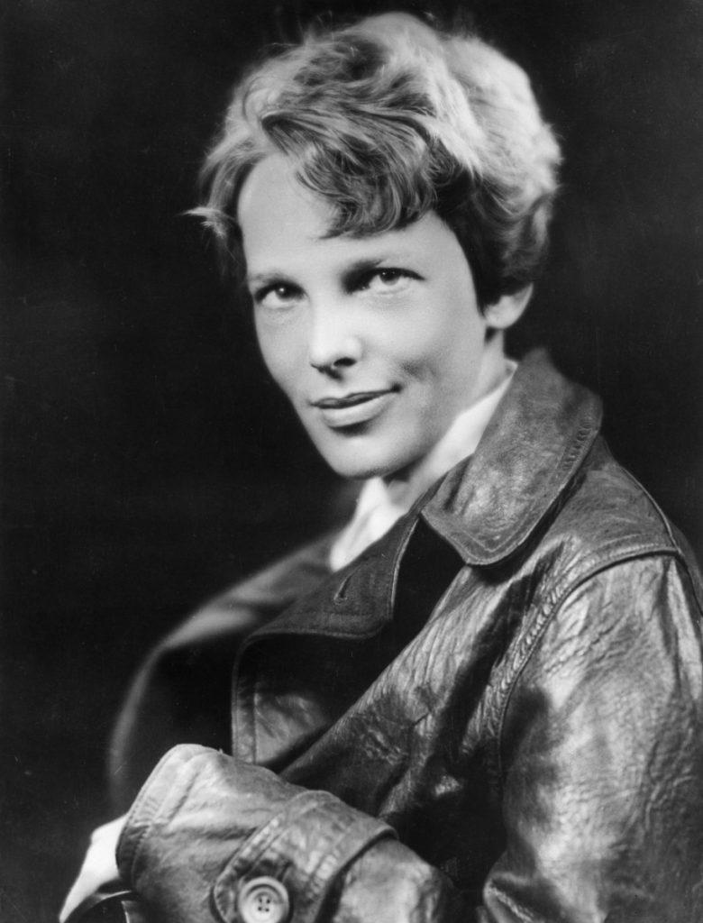 Amelia Earhart -12 imágenes de mujeres que han marcado la historia