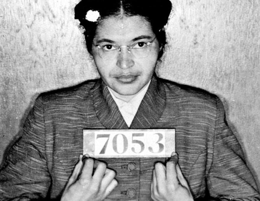 Rosa Parks -12 imágenes de mujeres que han marcado la historia