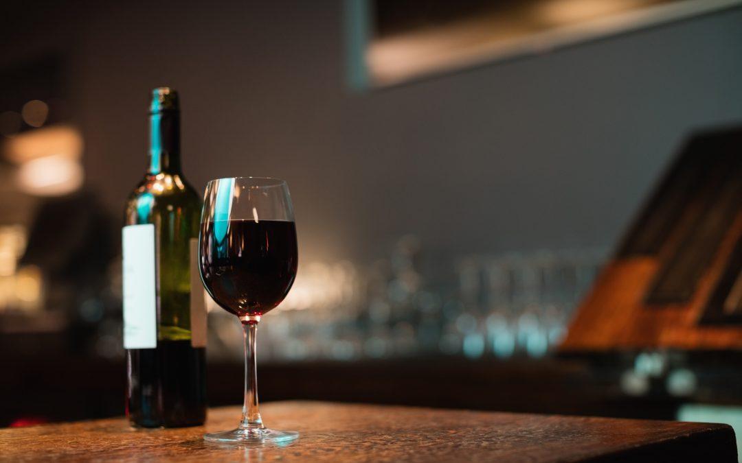 La cata de vinos, la experiencia en un viñedo
